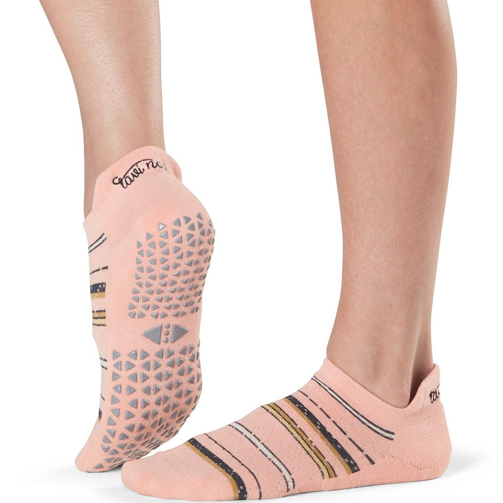 Savvy Flamenco Grip Socks (Barre/Pilates)