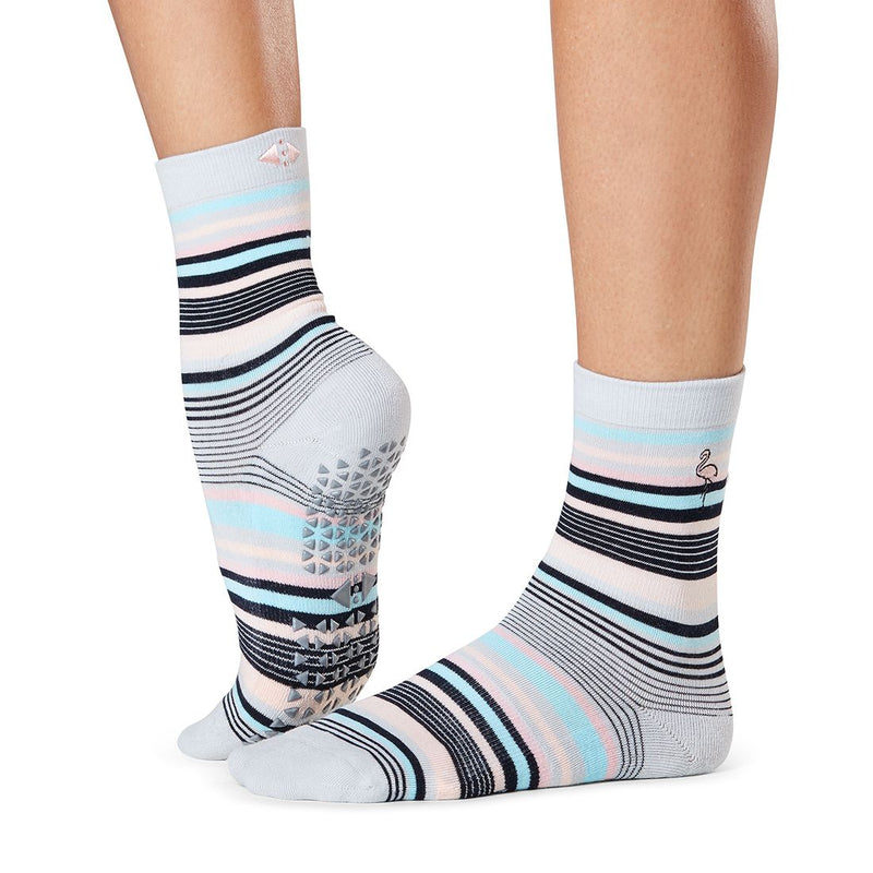 tavi noir grip socks jess flamingle