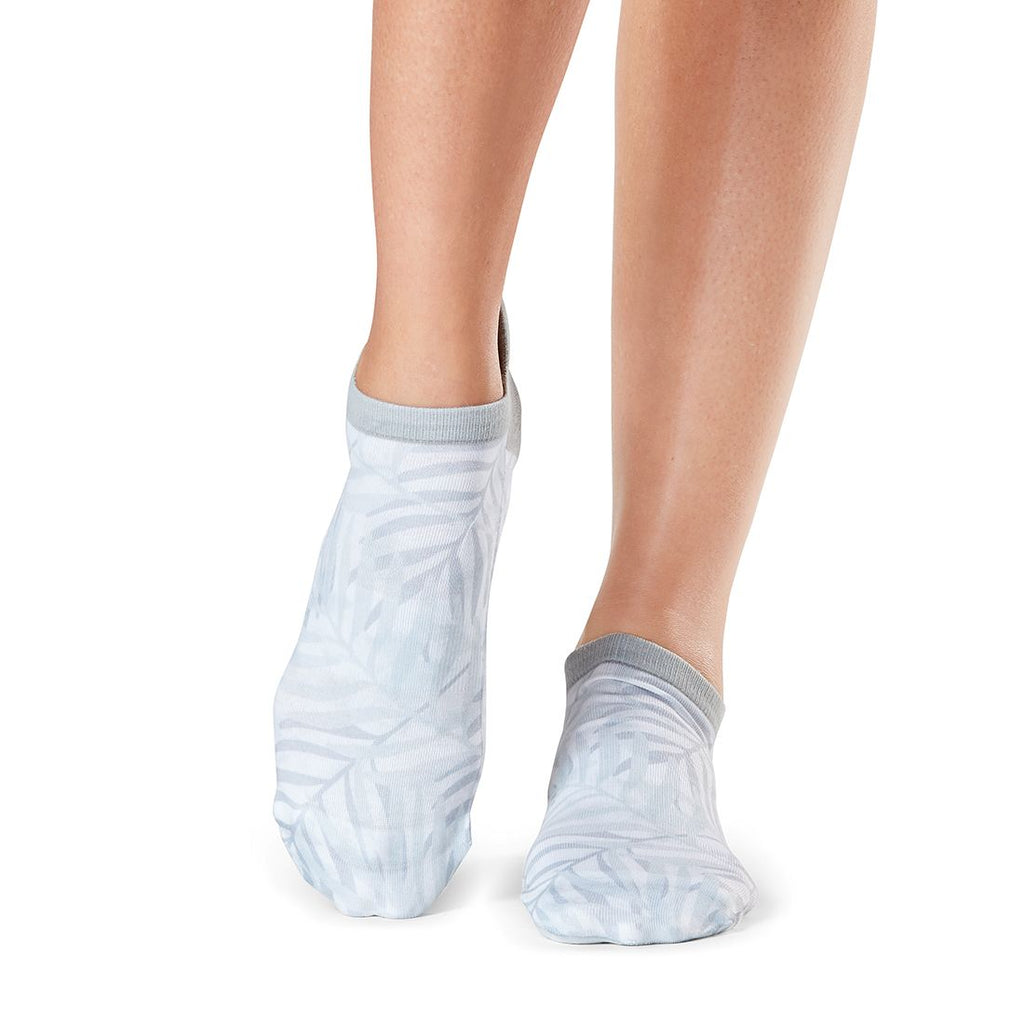 tavi noir savvy may gray grip socks