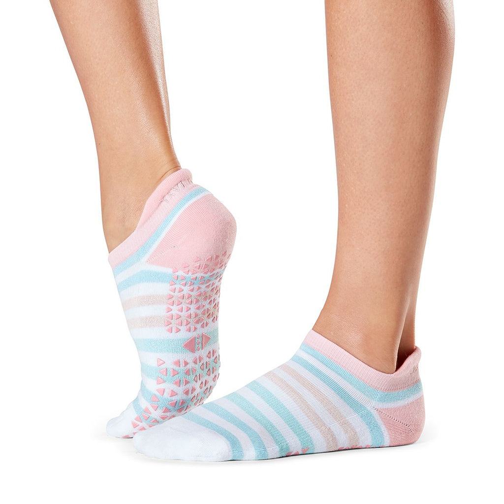 tavi noir grip socks savvy wonder