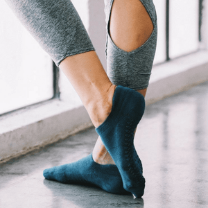 pointe studio grip sock teal union