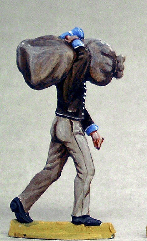 trooper carrying bag - Glorious Empires-Historical Miniatures