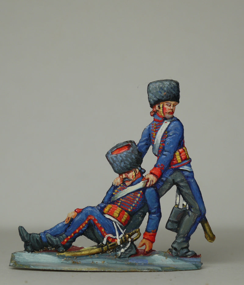 gunner dragging wounded - Glorious Empires-Historical Miniatures