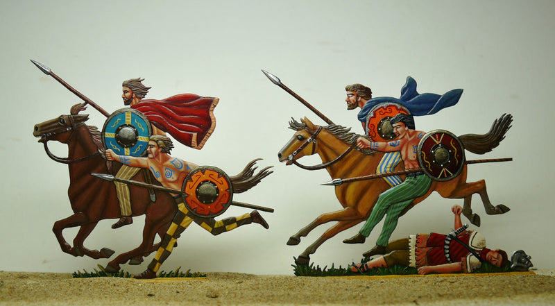 Gauls attacking the Romans - Glorious Empires-Historical Miniatures