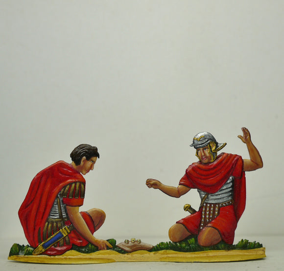 Two legionaires playing dice for the victims clothes - Glorious Empires-Historical Miniatures