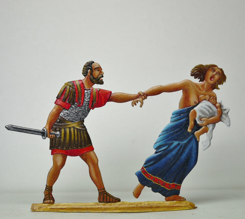 Roman Legionair stopping fleeing mother and child - Glorious Empires-Historical Miniatures