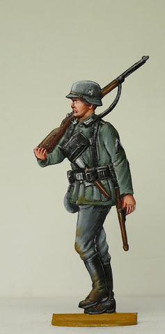 Soldier with carbine over schoulder