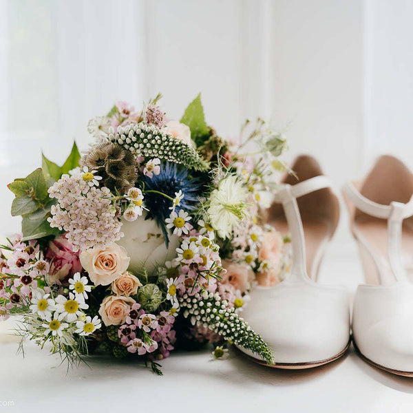 Spring Wedding Inspiration - that you could take into the summer as well