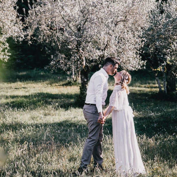 Wedding Themes: What To Wear To Your Rustic wedding