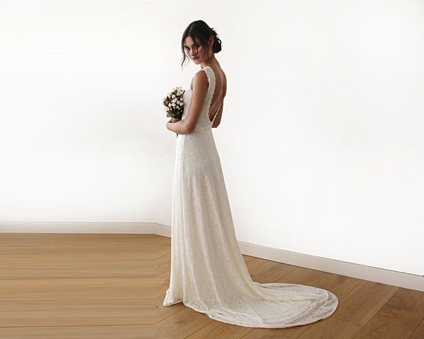 Sleeveless Cream backless lace maxi wedding dress with train 1180