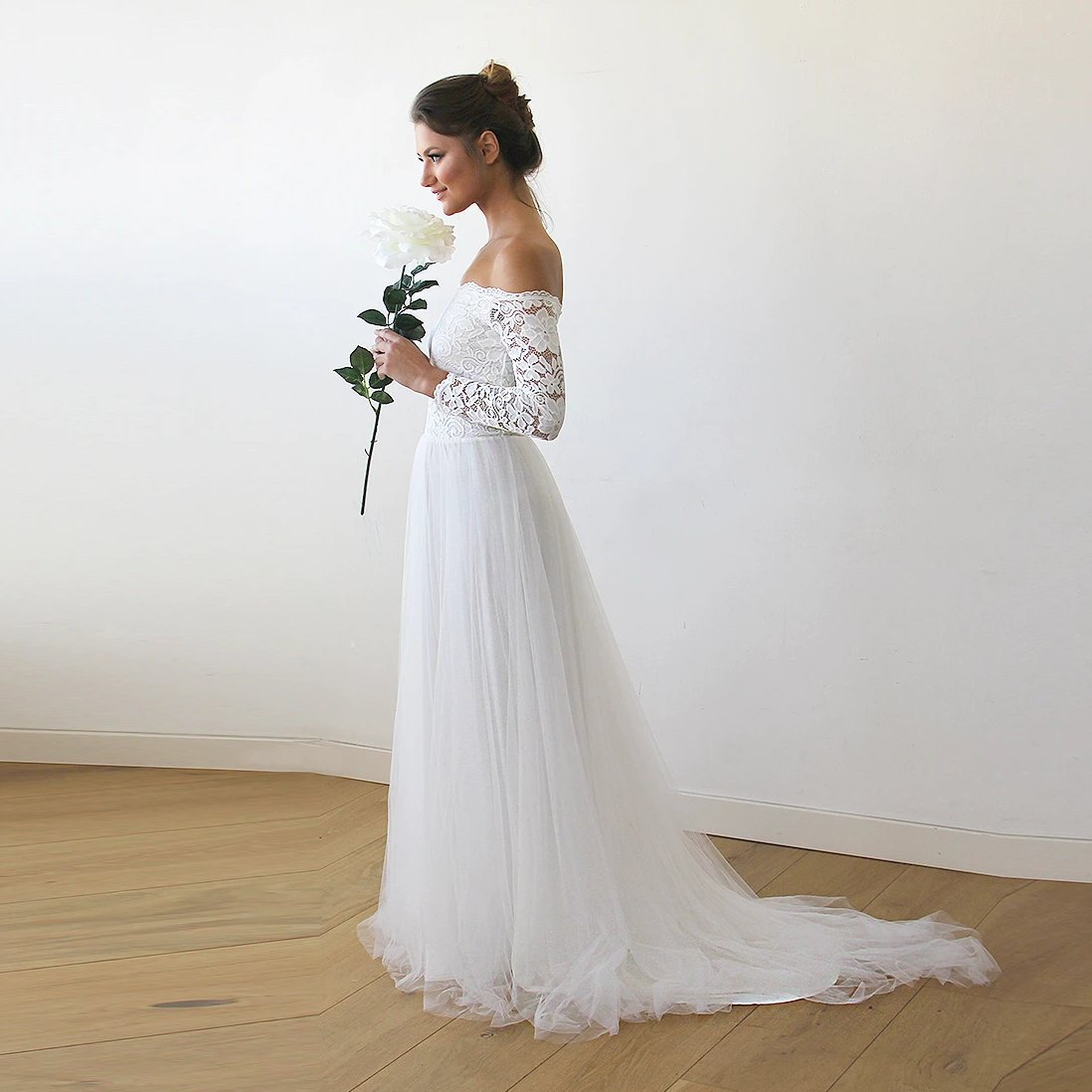 Champagne f-The-Shoulder Wedding Lace and Tulle Train,  1162