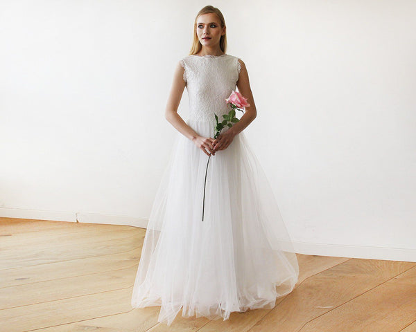 Ivory Tulle and Lace Sleeveless Maxi Bridal Gown