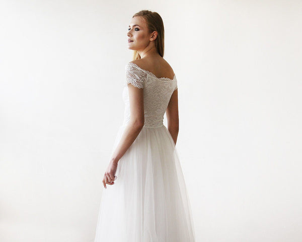 Ivory Off-The-Shoulder Short Sleeves Lace Maxi Tulle Gown