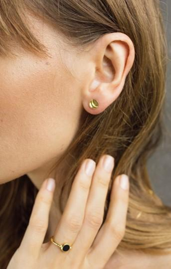 Ear-stud, round earring, moon earring, moonflower ronde oorbellen, flawed