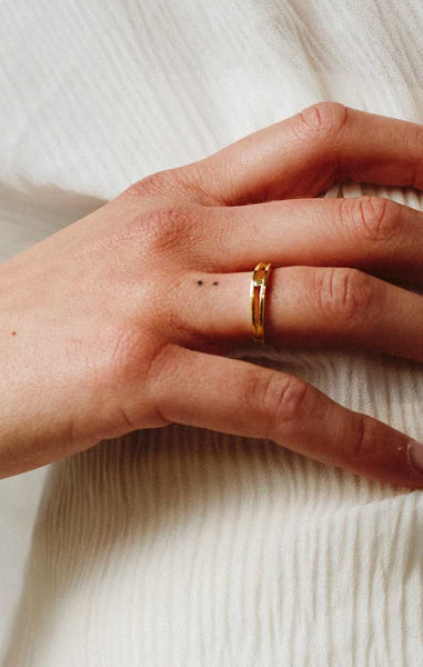 SINGLE DOT RING