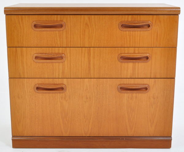 Mid-Century Modern Danish Style Teak Chest of Drawers, 1960s