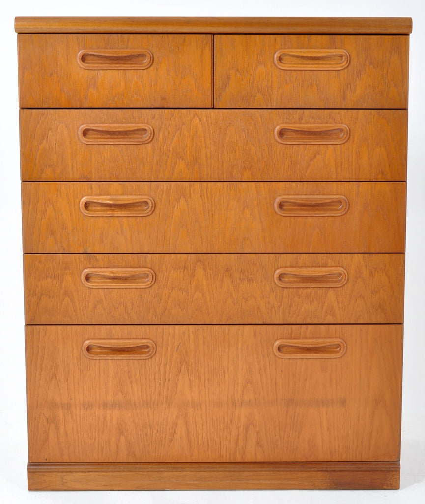 Mid-Century Modern Danish Style Chest of Drawers in Teak, 1960s