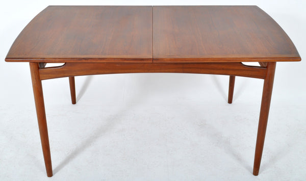 Mid-Century Modern Dining Table in Walnut with 'Butterfly' Leaf by Koford Larsen for G Plan, 1960s