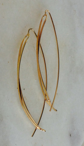 Gold wire earring