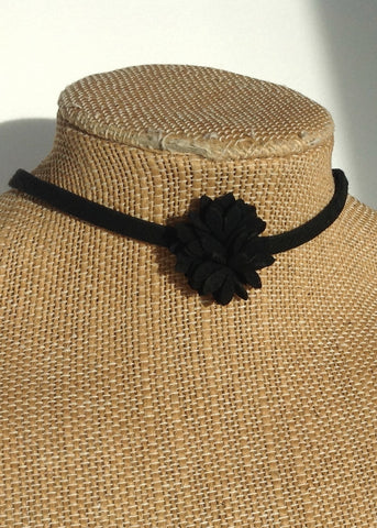 black flower chocker