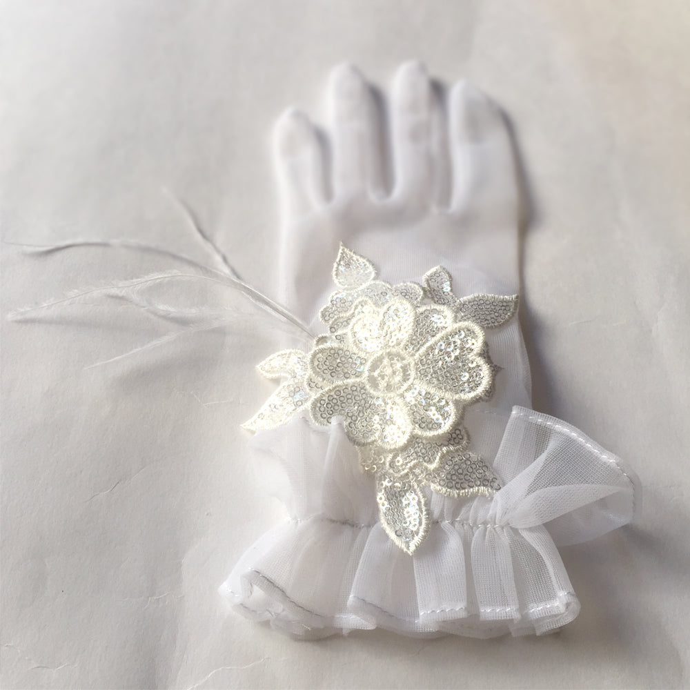 White Lace Bridal Gloves, Vintage Lace Wedding Gloves with Ostrich Feathers, Lace Gloves Flower