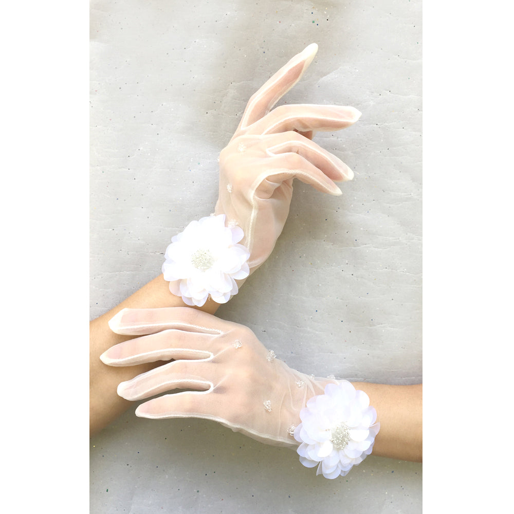 Ivory Bridal Gloves, Vintage Style Lace Wedding Gloves, Lace Gloves White Flower