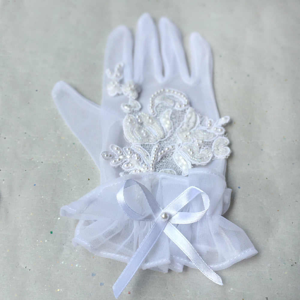 Vintage Style White Lace Gloves, Short White Bridal Gloves, 1940s 1950s 1960s Short Gloves