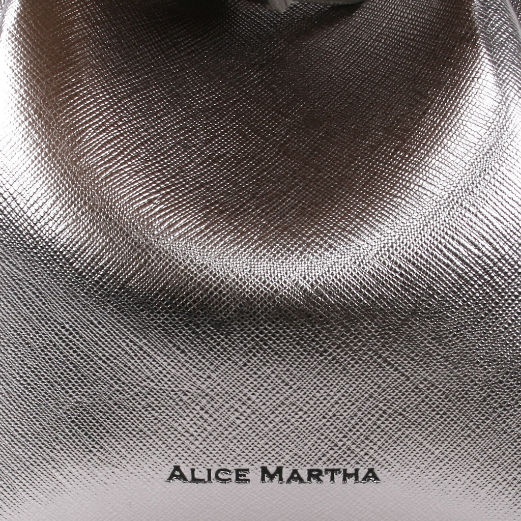 [ALICE MARTHA] DOROTHY (BLACK SLIVER)