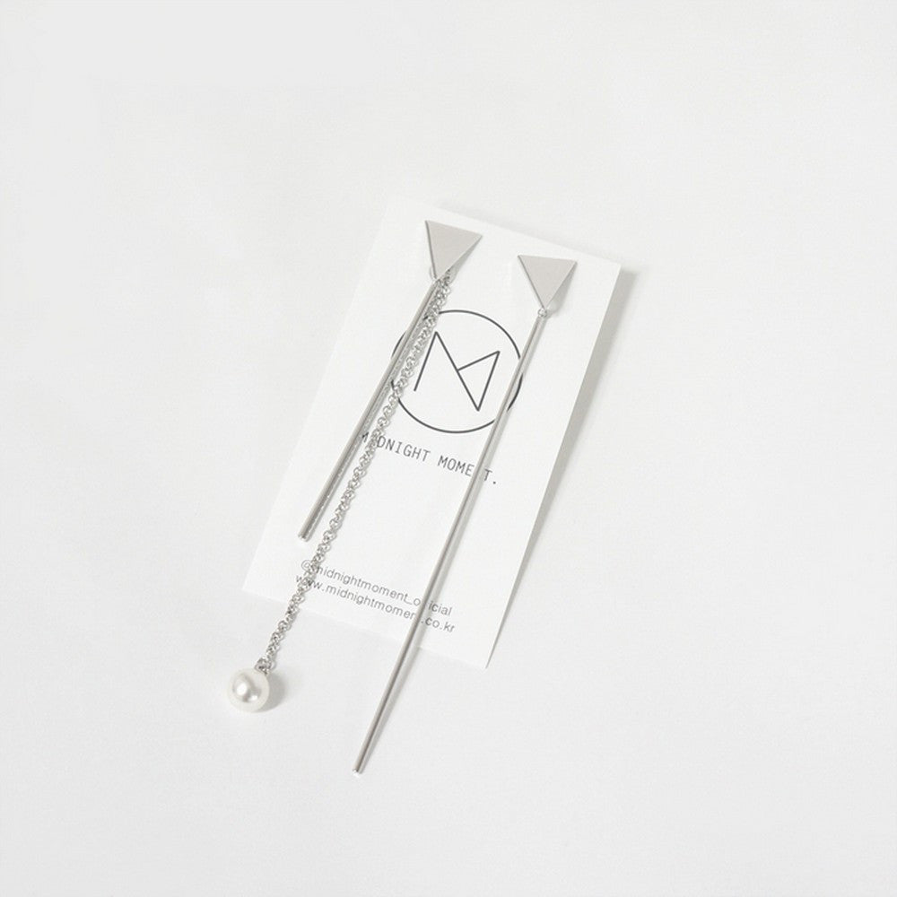 [MIDNIGHT MOMENT] triangle long stick earring