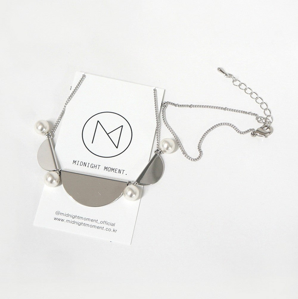 [MIDNIGHT MOMENT] half moon in soul necklace