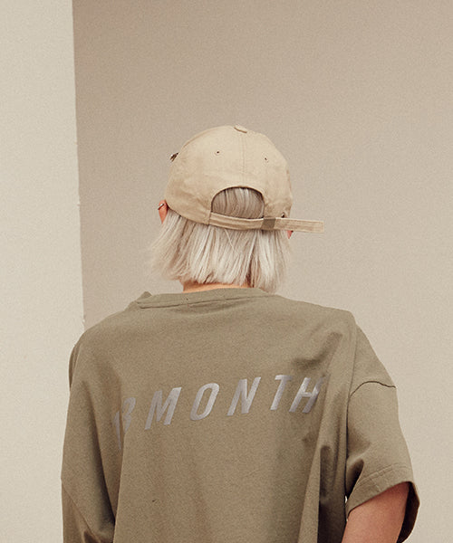 [13MONTH] BROOCH LOGO BALL CAP (BEIGE)