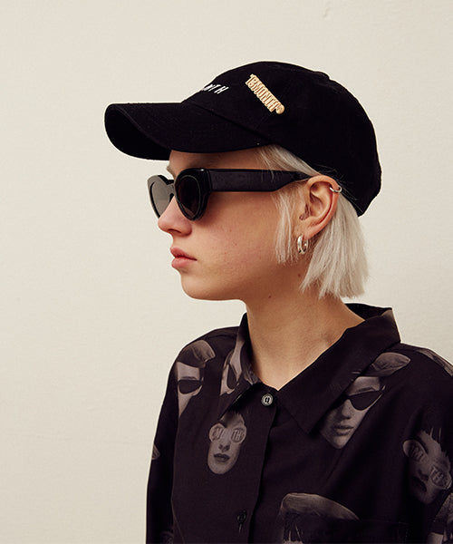 [13MONTH] BROOCH LOGO BALL CAP (BLACK)