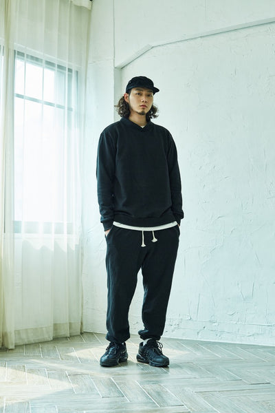 [2TO4] BAND NECK SWEATSHIRT BLACK
