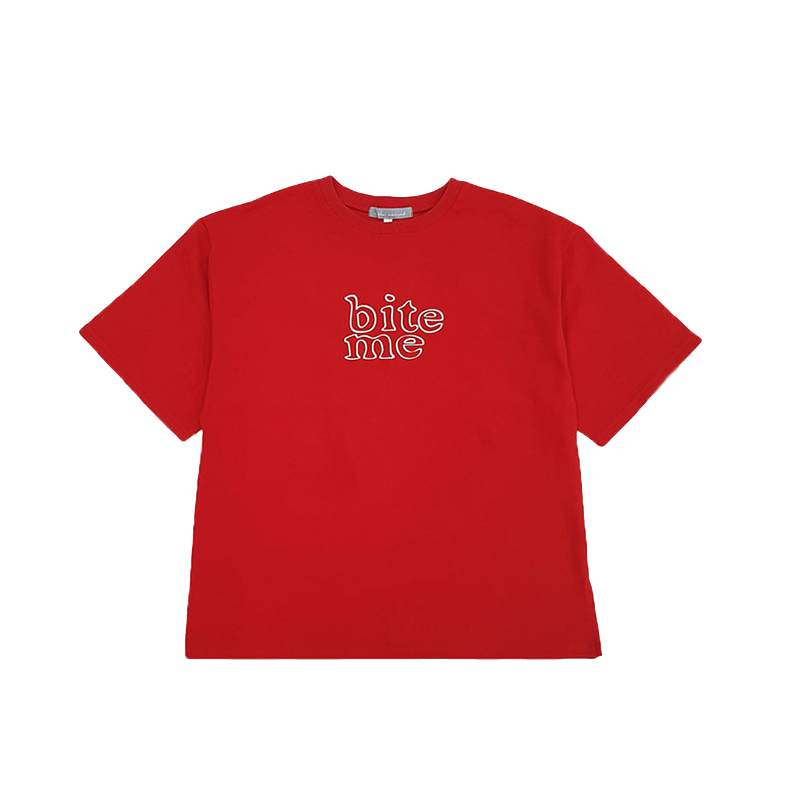 [AT THE MOMENT] Bite Me Half T-shirt (RED)