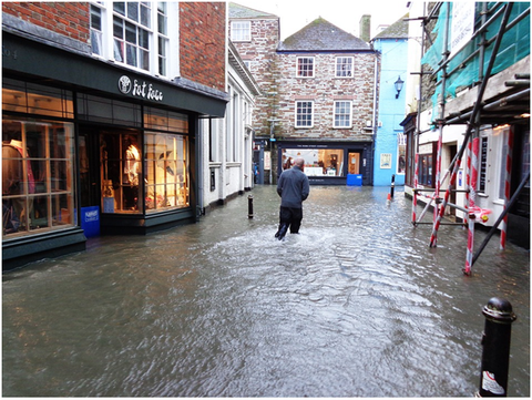 High Street Flooded no sustainable urban drainage