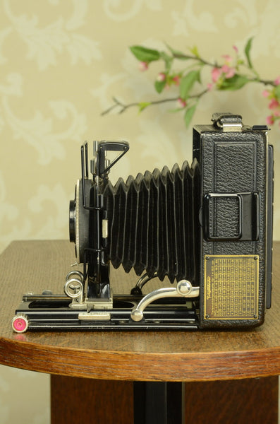 SUPERB! 1931 Voigtlander BERGHEIL Camera with HELIAR LENS! Freshly serviced CLA'd