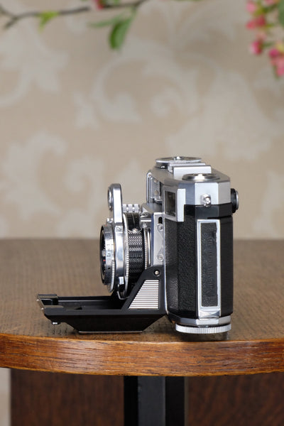 NEAR MINT! 1954 Zeiss Ikon Contessa 533/24, FRESHLY SERVICED - Zeiss-Ikon- Petrakla Classic Cameras