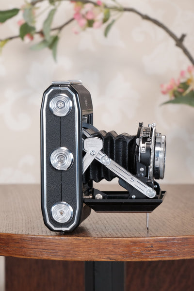 Near Mint! 1952 Zeiss Ikon Ikonta,, CLA'd, Freshly Serviced!