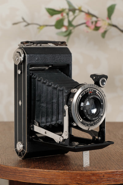 Superb! 1933 Art Deco Kodak 6x9 camera, Freshly Serviced, CLA'd