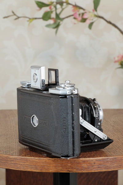 Superb! 1938 Zeiss Ikon 6x6 Ikonta with case, CLA'd, Freshly Serviced!