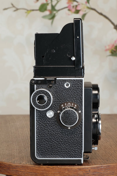 Superb 1937 Rolleicord with Original case, CLA'd, Freshly Serviced!