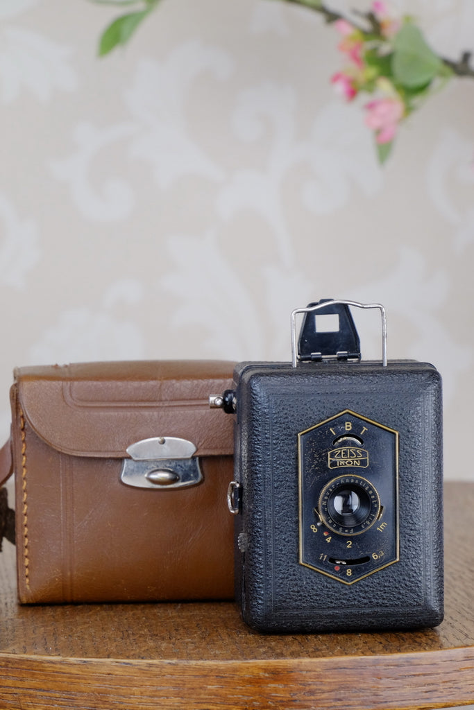 Zeiss Ikon Baby Box Tengor with leather case, CLA'd, Freshly Serviced!