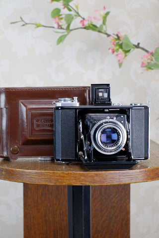 Near Mint! 1953 Zeiss Ikon Ikonta, CLA'd, Freshly Serviced!