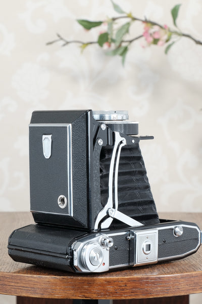 Near mint! 1946 Zeiss Ikon Ikonta with coated Tessar and case, CLA'd, Freshly Serviced!