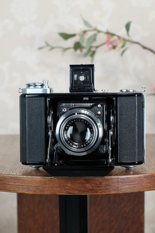 Near Mint! 1937 Zeiss Ikon Ikonta, CLA'd, Freshly Serviced!