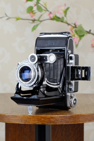 1950 Zeiss-Ikon Super 6x9 Ikonta 531/2 , Coated Zeiss Tessar lens, includes 6x4.5 reduction mask, CLA'd, Freshly Serviced!