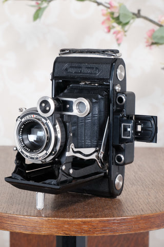 Superb! 1934 Zeiss Ikon Super Ikonta C, 6x9, CLA'd, FRESHLY SERVICED! - Zeiss-Ikon- Petrakla Classic Cameras
