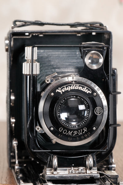 1934 Voigtlander Bergheil. The rare GREEN Luxus version with Heliar lens! Freshly serviced CLA'd