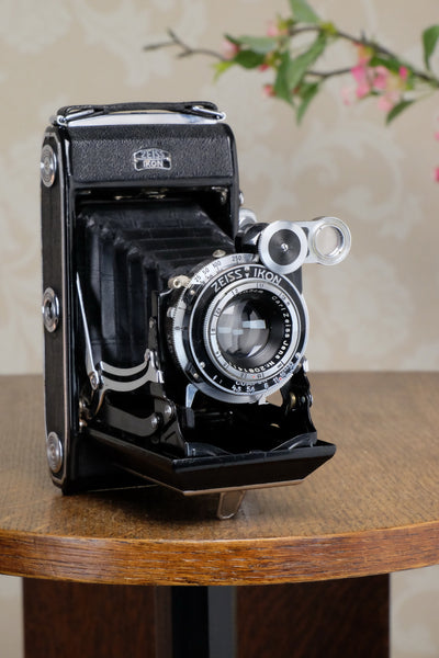 1937 6x9 Super Ikonta with Tessar Lens, CLA'd, Freshly Serviced! - Zeiss-Ikon- Petrakla Classic Cameras