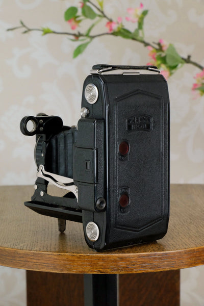 Superb! 1933 Zeiss Ikon Super Ikonta 6x9, with Tessar lens, Freshly serviced ,CLA'd